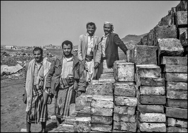 Fabbricanti di mattoni (Leica M6 Summilux 35mm ASPH Fuji Velvia bw)