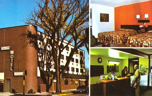 minnesota vintage motel postcard lobby