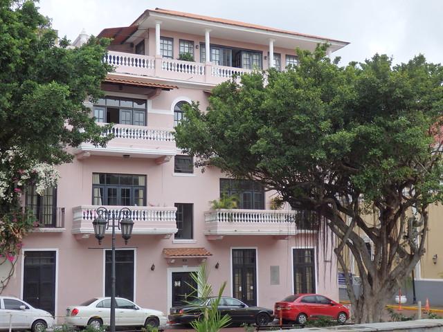 Pale pink building, Casco Viejo
