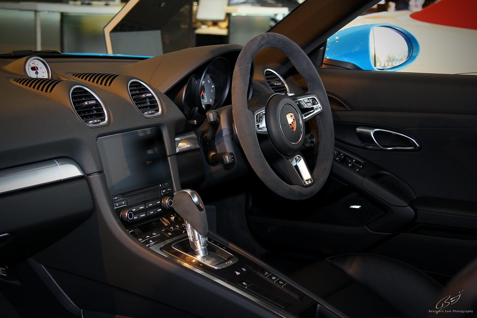 Porsche Cayman S Interior LR