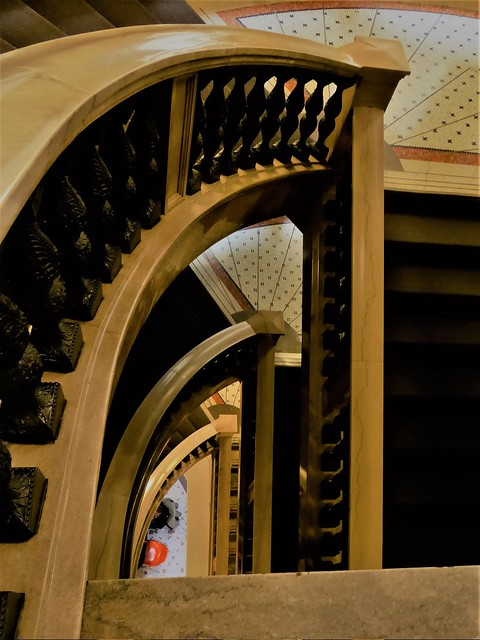 Chicago Cultural Center, Stairwell Geometry