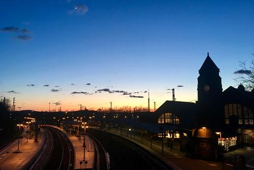 giessen iphone se moon moonrise hwschlaefer docharvey digital 2018 railway station