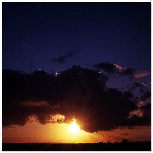 anaintercontinentalishigakiresort ishigaki okinawa japan sunset 日本 沖繩 石垣島 日落 tlr twinlense twinlensereflex hktlr 6x6 fujifilm rvp100 120 mediumformat filmphotography filmcamera vintagecamera
