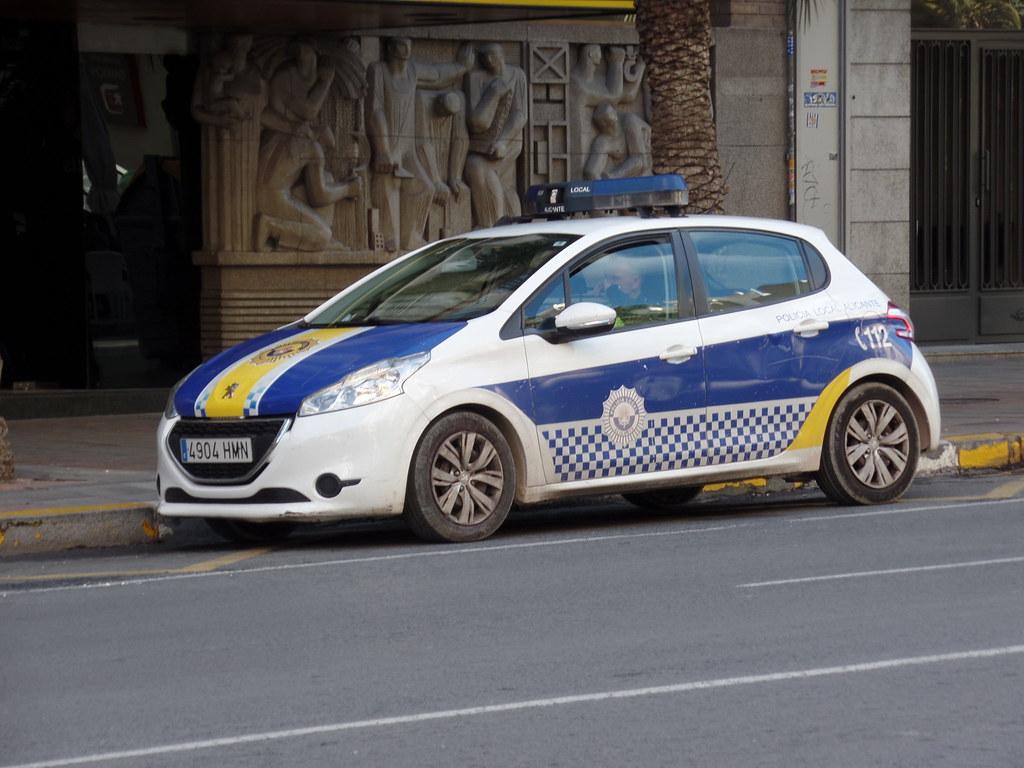 Spanish Police Car Peugeot 208 4904 Hmn Alicante Spain I Flickr