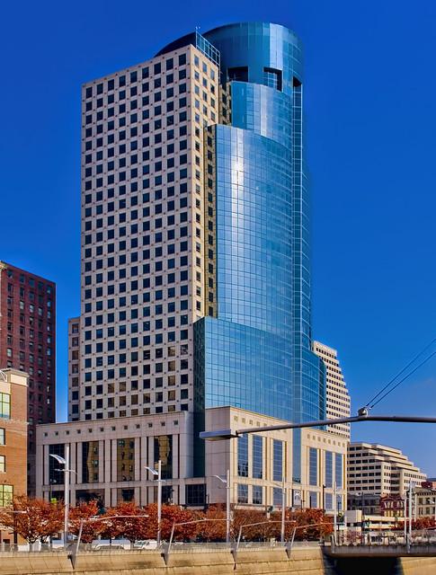 Scripps Center / 312 Walnut Street / Cincinnati / Ohio / USA / Built: 1990 / Architects:  Hoover & Furr; Glaser & Associates; Space Design International / Height: 468 ft (143 m) / Floors: 36 / Style: Postmodernism / Elevators: 15