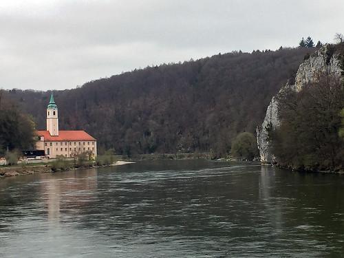 20 - Anfahrt auf das Kloster Weltenburg