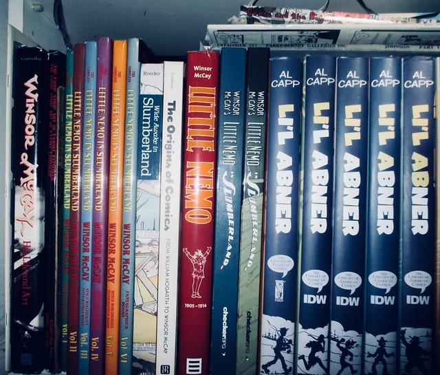 Newspaper Comics Strip Book Shelf - IDW Publishing 9053