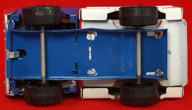 RD26760 Very Rare Fleet Truck CK Kuramochi & Co. , LTD. Japan Blue Cab White Bed DSC09034