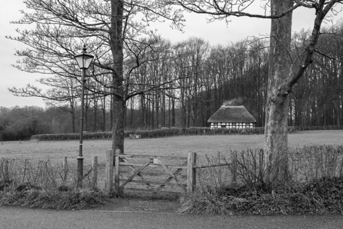sainffagan stfagans museum amgueddfa cardiff caerdydd winter december smoke chimney old house lamppost gate viewof bnw bw noiretblanc blackandwhite canon 80d eos camera photos photographs pictures images stock nationalmuseumofhistory amgueddfawerincymru flickr jeremysegrott trees