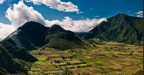 http://www.quitoadventure.com/ecuador-adventure/parks-reserves/andean-region/pululahua-geobotanical-reserve.html