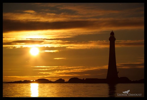 Golden lighthouse | by Lionel Davoust