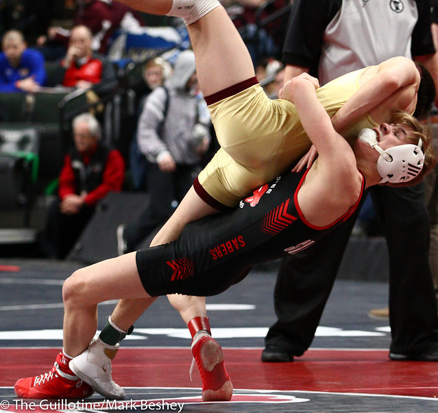 113 - Semifinal - Paxton Creese (Shakopee) 52-1 won by decision over Jake Messner (Northfield) 47-12 (Dec 11-4) - 190302amk0032