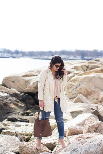 fringe cardigan, silk button down top, blush suede booties, bucket bag-9.jpg