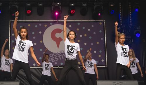 Hip-hop dancers.   by Alex-de-Haas