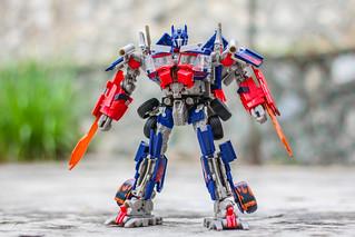 Leader-class Optimus Prime
