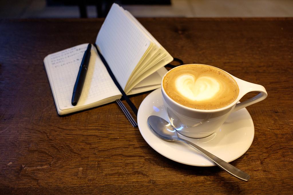 コーヒーと手帳と、キャップレス万年筆と 2019/03/18 X7001748