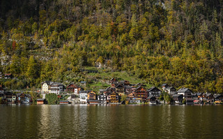 Beautiful Hallstatt Village of Austria | by phuong.sg@gmail.com