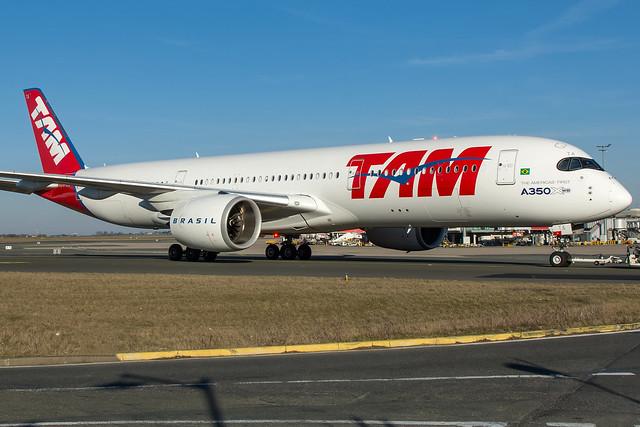 TAM / A359 / PR-XTA / LFPG