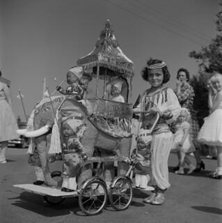 Adel Gaudet in costume, Prince Edward Island / Adel Gaudet en costume (Île-du-Prince-Édouard)