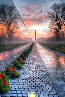 #VietnamMemorial and #WashingtonMonunent | by jeffcotrupe