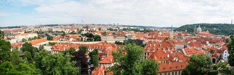 布拉格城堡俯瞰市區