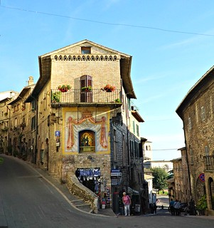Assisi | by helipekkarinen
