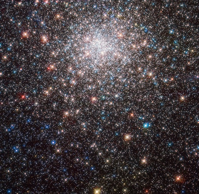 Hubble Shows Star Cluster's True Identity