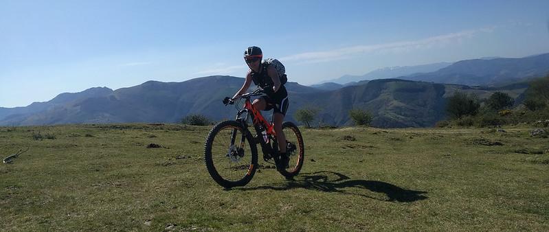 Arriba en Pagoeta con la bicicleta