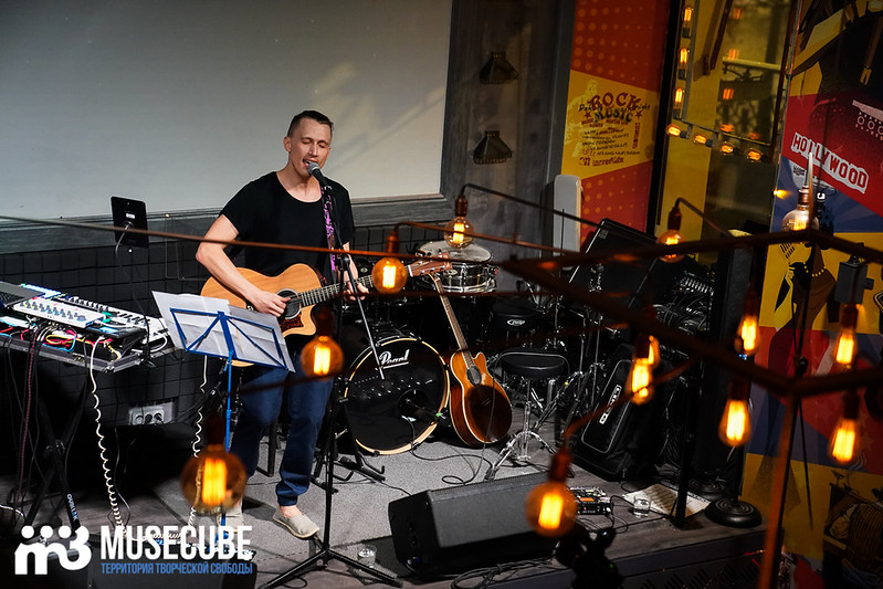 acoustic_boy_010