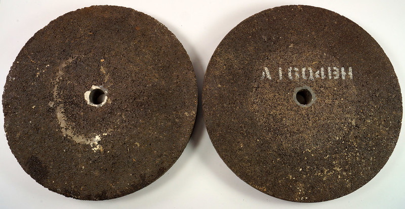 RD26948 2 NOS Vintage Norton Alundum Grinding Wheels A16-Q4BH DSC09922