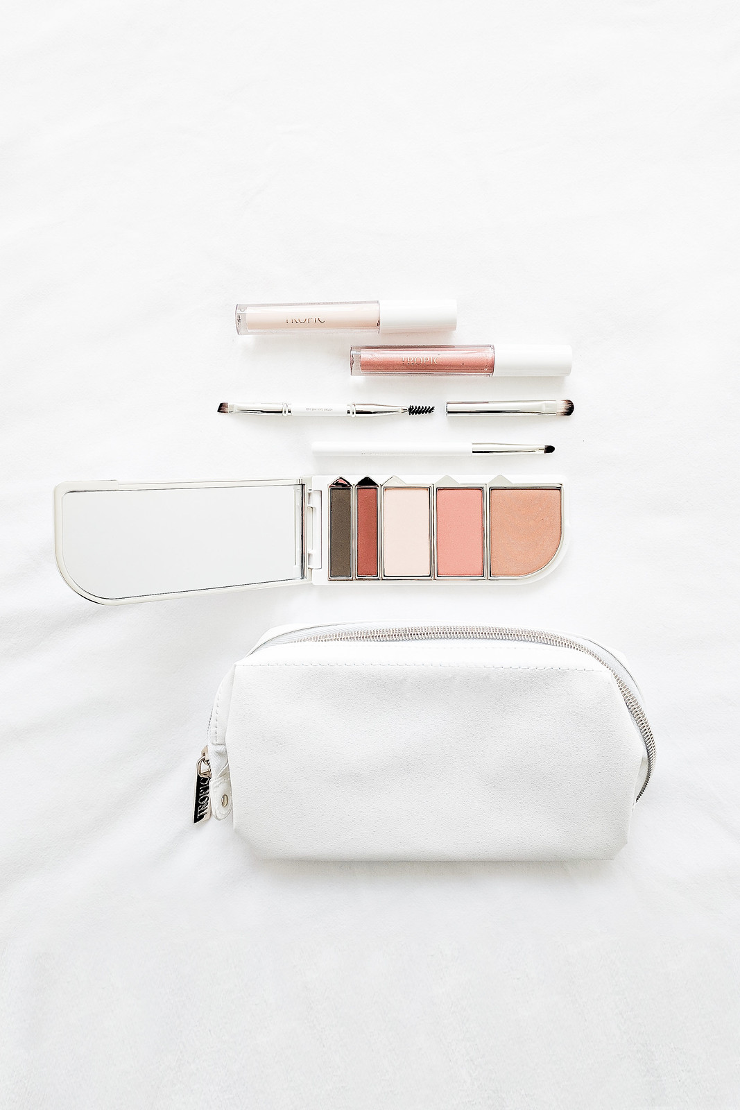 metal close makeup bag