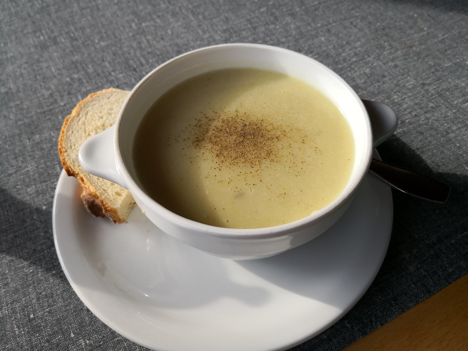 Soup with bread