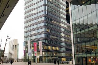 Stadsplateau en Utrecht CS entree. 001   by George Ino