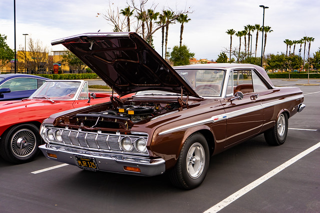 Plymouth Sports Fury 1964