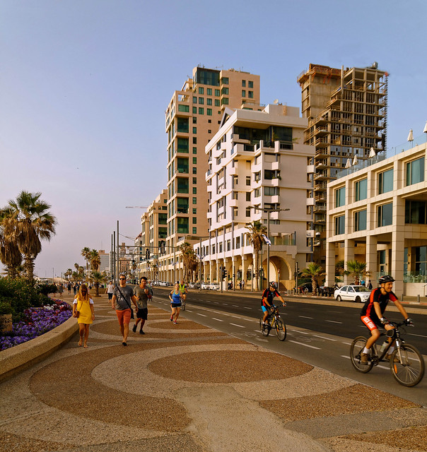 Tel Aviv Beach / Shlomo Lahat Promenade