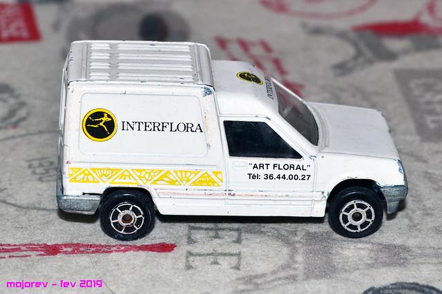 N°233 Renault Express - Page 2 46475812184_efe1870ae2_z