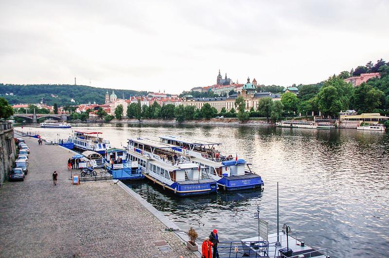 切赫大橋眺望布拉格城堡及伏爾塔瓦河