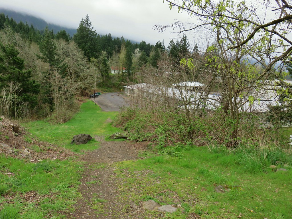 Heading through Cascade Locks