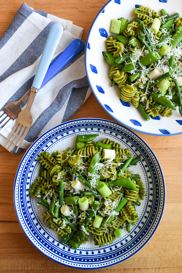 Wholemeal Pasta with Spring Greens & Fresh Spinach Pesto