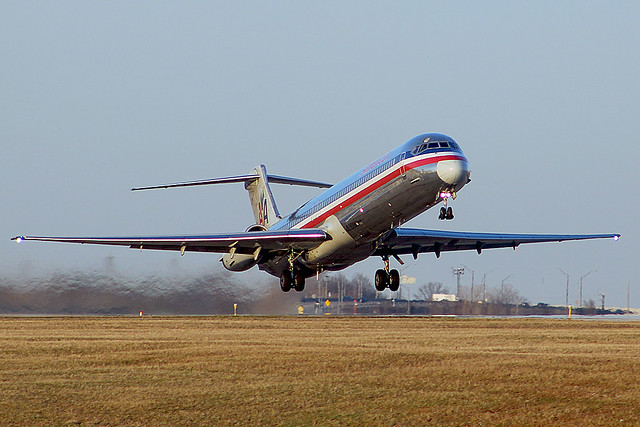 American MD-83 lifting off from Cleveland