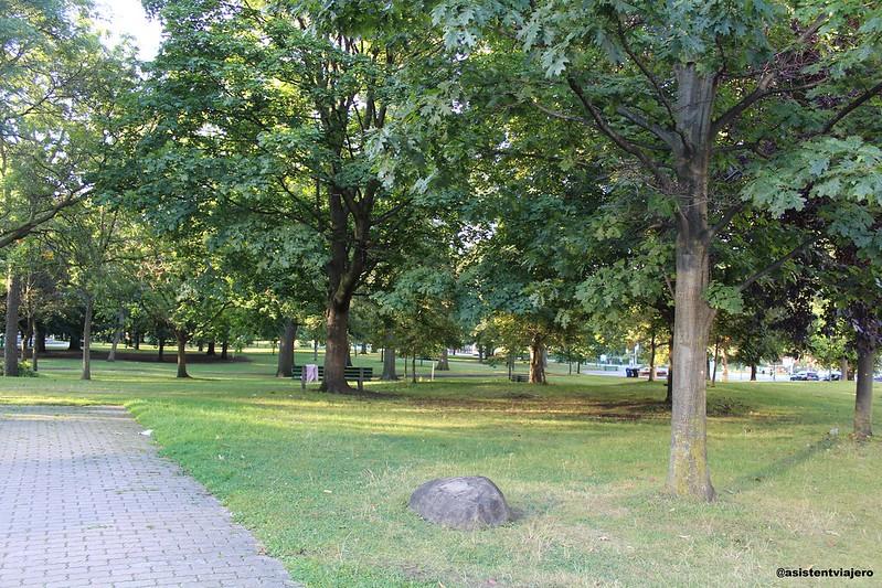 Toronto Queen's Park (1)