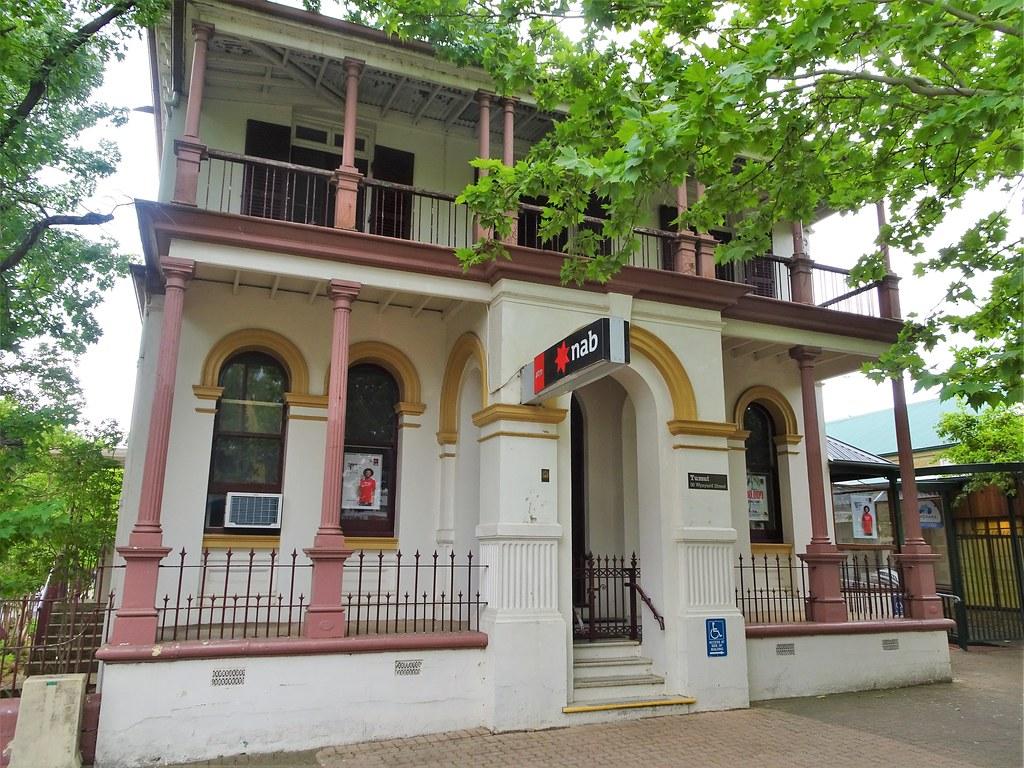 Tumut  The former Commercial Bank of Sydney built in 1889 …   Flickr
