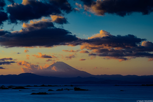 mtfuji sunset dusk sea horizon clouds orangesky gradationofcolors miurapeninsula yokosuka dramaticsky