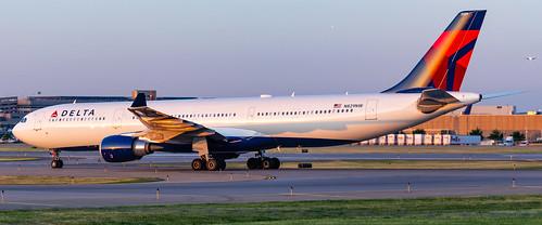 minneapolisstpaulinternationalairport msp kmsp mspairport aviation avgeek airplane airbus a330 a333 a330302 n829nw dal1492 hnlmsp deltaairlines