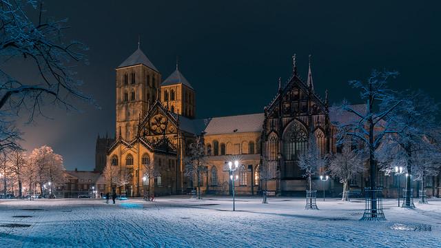St. Paulus Dom im Schnee