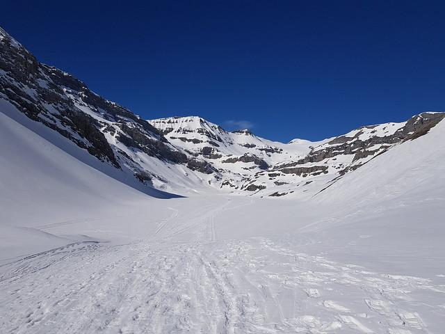 #Schneeschuhwandern #Panoramatrail #Gämspfad #Gemmi #Schwarenbach #Schönbühl #Kandersteg