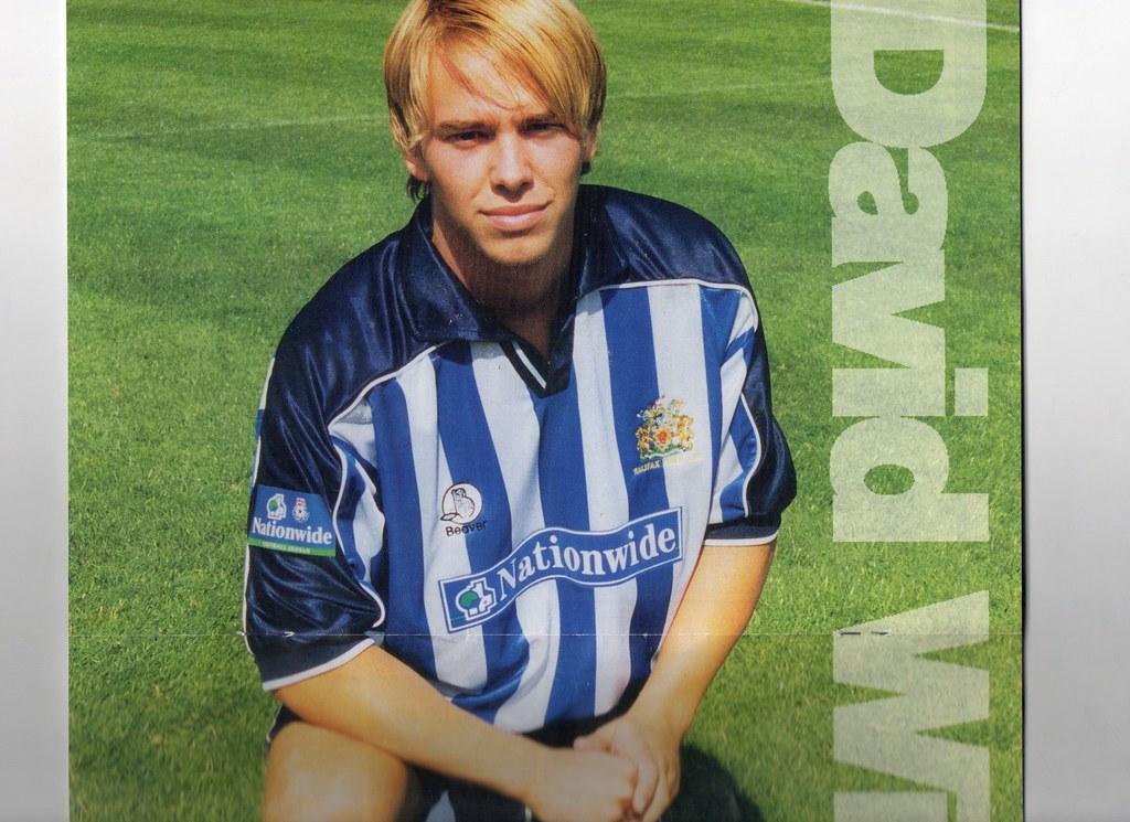 (Programme) 11-09-1999 Halifax Town 2-1 Brighton & Hove Albion 8 (David Wills)
