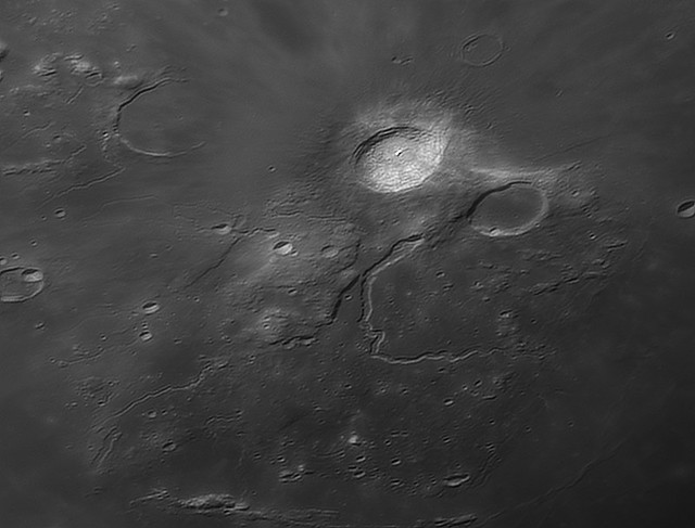 Moon_215745_lapl3_ap664