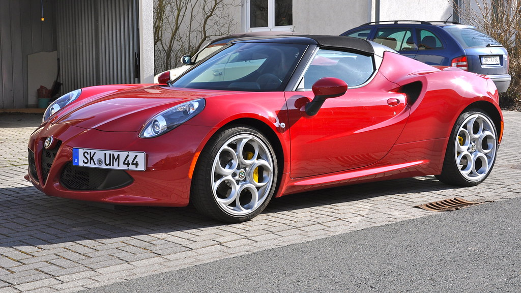 Alfa Romeo 4C Spider 1750TBi I tipo 960 | Unveiling: 2013 As