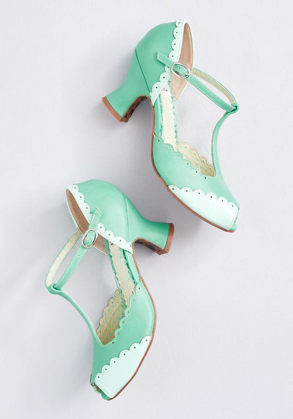 bettie page vintage mint t-strap heels scallops